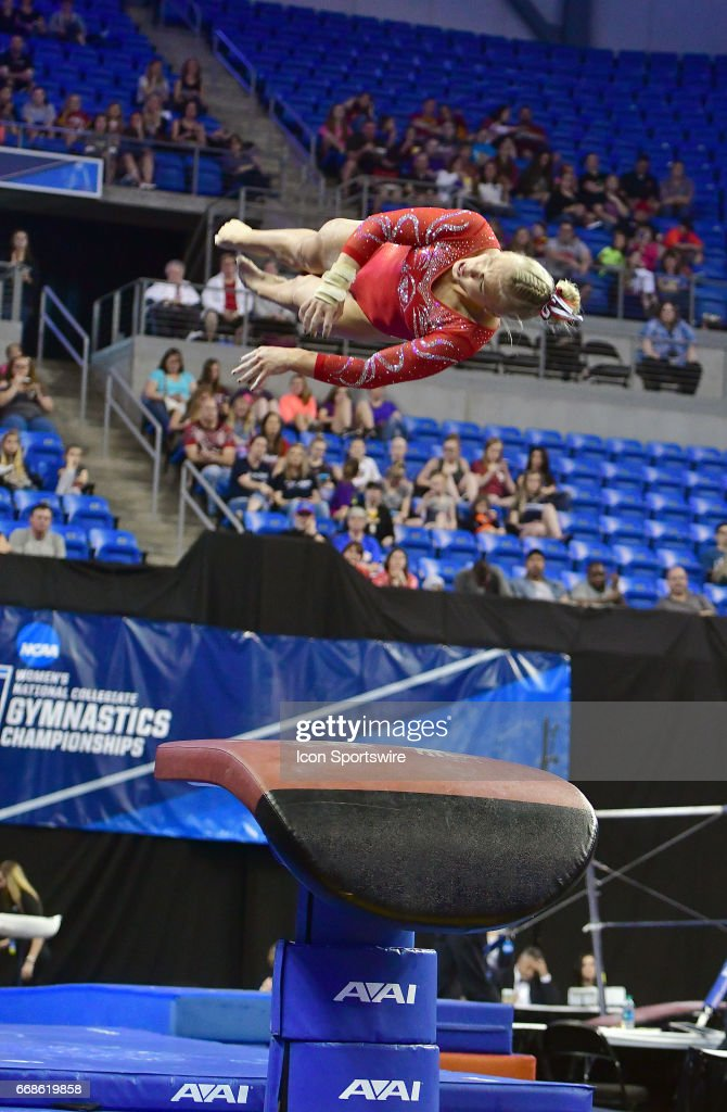 Vault gymnastics Squat Utahs Erika Muhaw Is Shown On The Vault During Semifinal Of The Ncaa Womens Gymnastics Pinterest Gymnastics Vault Stock Photos And Pictures