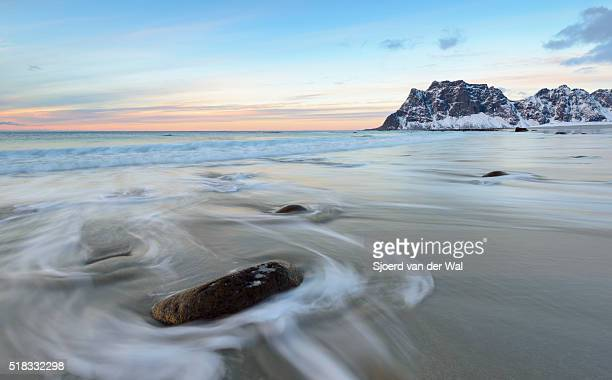 """utakleiv beach in the lofoten archipel in norway at the end of a winter day - """"sjoerd van der wal"""" stock pictures, royalty-free photos & images"""
