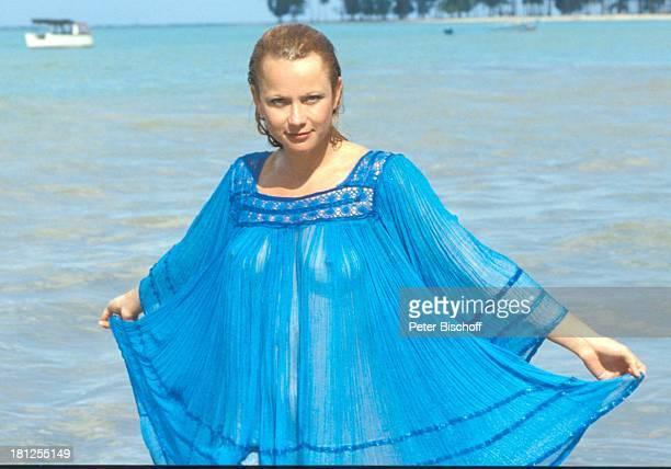 Ute Christensen ZDFSerie 'Traumschiff ' Puerto Rico/Karibik San Juan Ausflug Urlaub Palmen Meer Sexy Schauspielerin Schauspieler Promis Prominente...