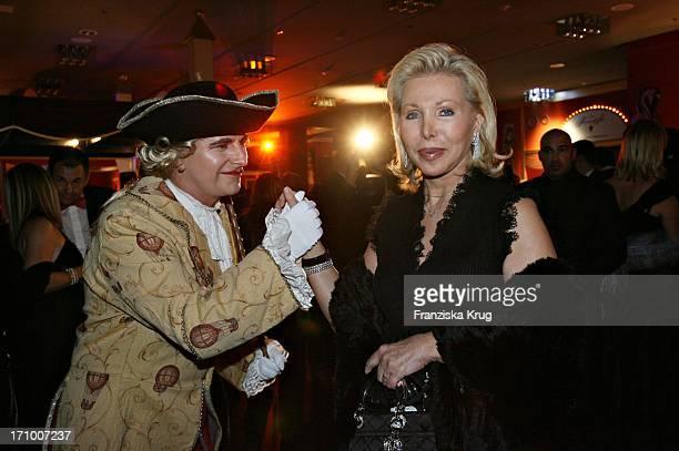 Ute Ohoven In Einem Chanel Kleid Beim 17 Ball Der Sterne Von Radio Regenbogen Im Mannheimer Rosengarten Am 141006
