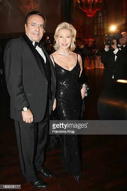 Ute Ohoven Und Ehemann Mario Bei '25 Jahre Deutscher Opernball' Am 240207 In Frankfurt