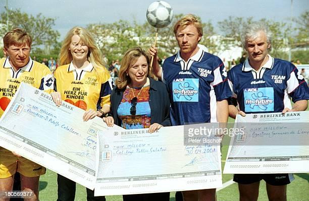 Uwe Bein Claudia Schiffer Name folgt Boris Becker Rudi Völler GalaGala DorintRoyalHotel am Mallorca/Spanien Trikot Scheck