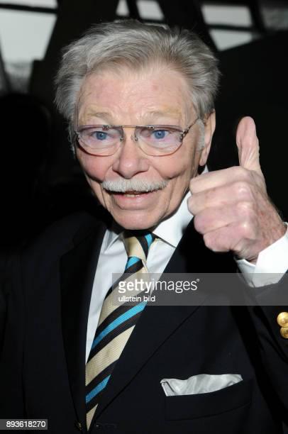 Uwe Friedrichsen ist ein deutscher Schauspieler Hörbuch und Synchronsprecher