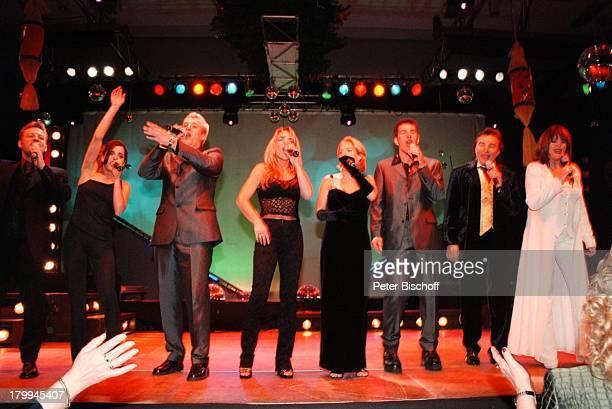 """Uwe Hübner, Mitglieder der Gruppe Wind,;Michelle , Mitglied der Gruppe Wind, Karel;Gott, Wencke Myhre ,;""""ZDF-Hitparaden-Weihnachtstournee..."""
