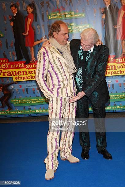 """Uwe Ochsenknecht Und James Last Bei Der Premiere Von """"Warum Männer Nicht Zuhören Und Frauen Schlecht Einparken Können"""" Im Cinemaxx In Berlin ."""