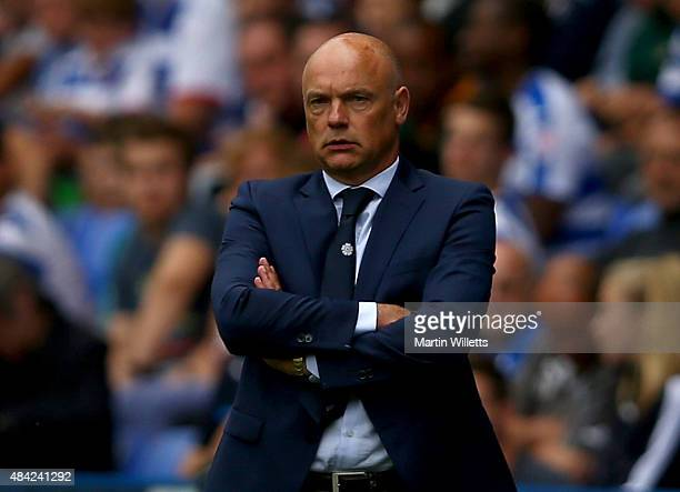 Uwe Rosler manager of Leeds United looks on during the Sky Bet Championship match between Reading and Leeds United at Madejski Stadium on August 16...