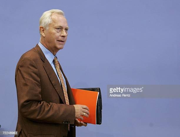 UweKarsten Heye President of Gesicht zeigen Aktion weltoffenes Deutschland eV adresses the media for a news conference on October 24 2006 in Berlin...