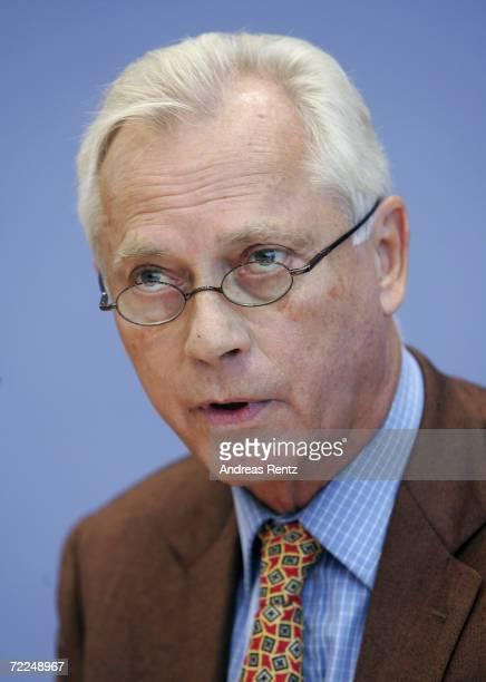 UweKarsten Heye President of Gesicht zeigen Aktion weltoffenes Deutschland eV addresses the medai during a news conference on October 24 2006 in...