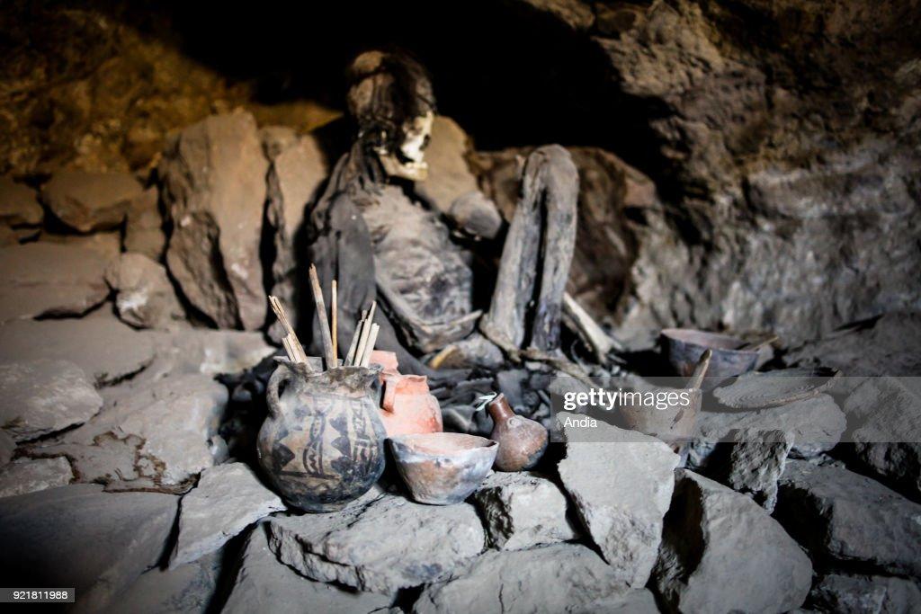 Coquesa pre-Incan cemetery. : News Photo