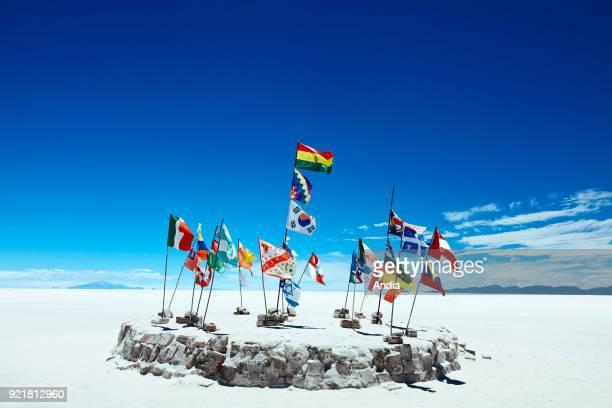 salt flat Salar de Uyuni flags