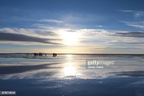 uyuni sunset - ウユニ ストックフォトと画像