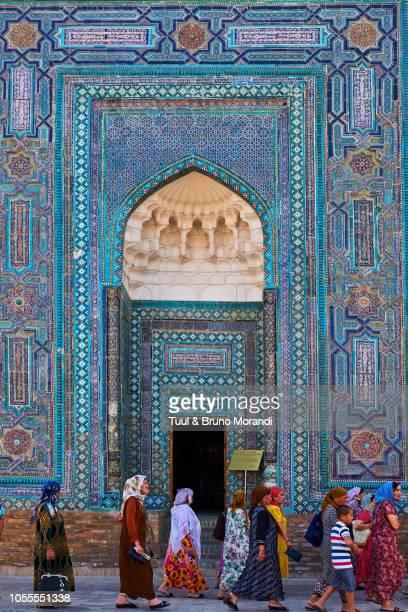 uzbekistan, samarkand, shah i zinda mausoleum - mausoleum stock pictures, royalty-free photos & images