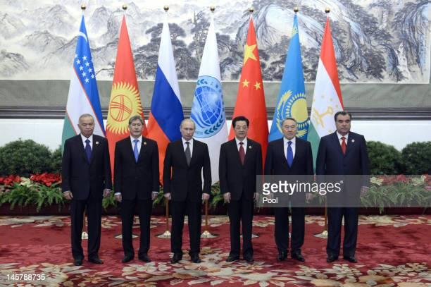 Uzbekistan's President Islam Karimov, Kyrgyzstan President Almazbek Sharshenovich Atambayev, Russian President Vladimir Putin, Chinese President Hu...