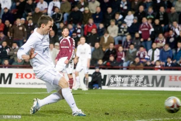 V ABERDEEN .TYNECASTLE - EDINBURGH .Steve Lovell scores a late winner for Aberdeen to heap more misery on Hearts