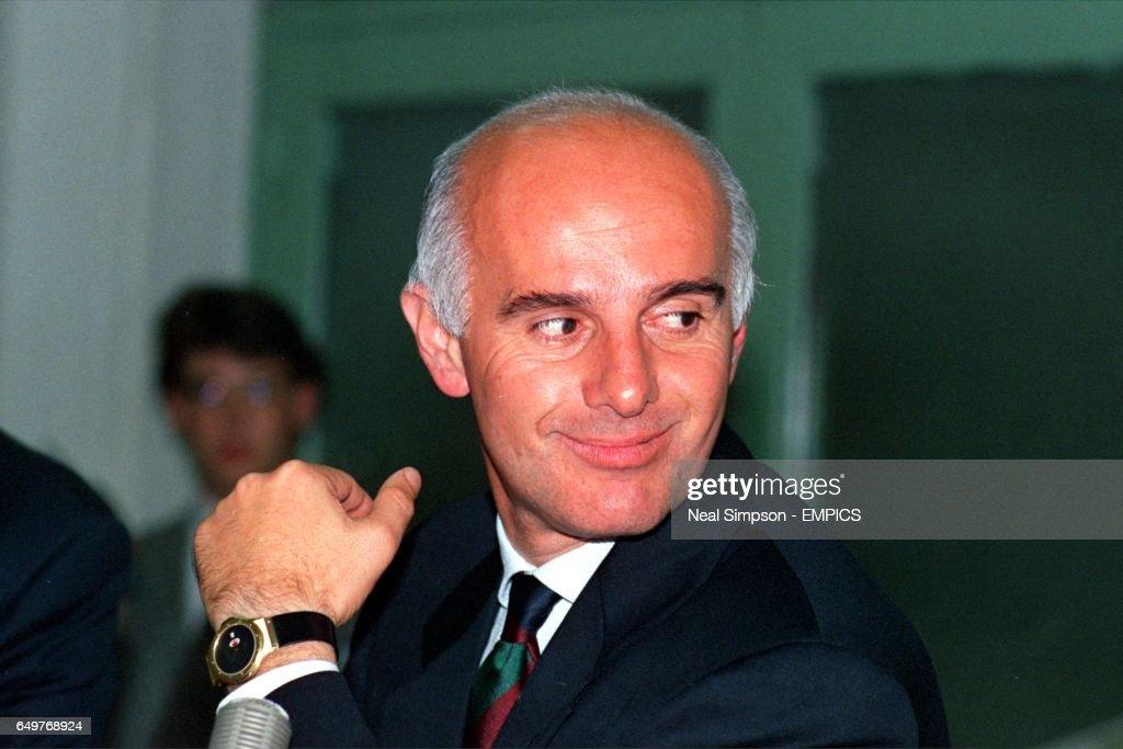 FOOTBALL EUROPEAN CUP FINAL 1989/90 : News Photo