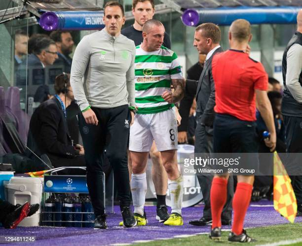 V CELTIC .ANDERLECHT - BELGIUM.Celtic's Scott Brown is replaced after suffering an injury