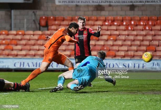 V DUMBARTON FC.TANNADICE - DUNDEE.Dundee Utd's Bilel Mohsin scores to make it 2-0