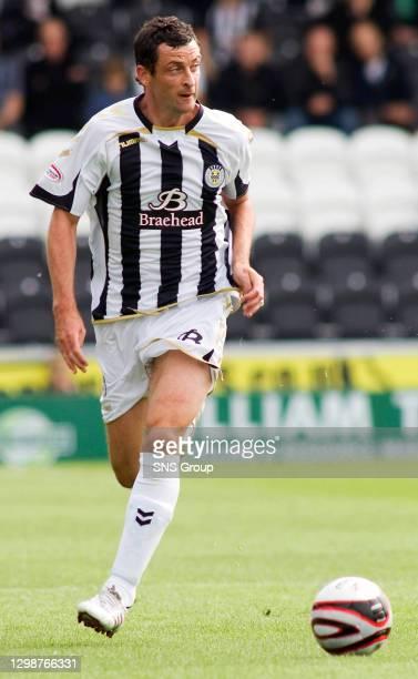 V DUNDEE UTD .ST MIRREN PARK - PAISLEY .Jack Ross in action for St Mirren
