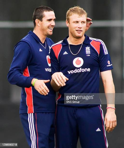 V ENGLAND.THE GRANGE - EDINBURGH.Kevin Pietersen congratulates Andrew Flintoff after he bowls John Blain