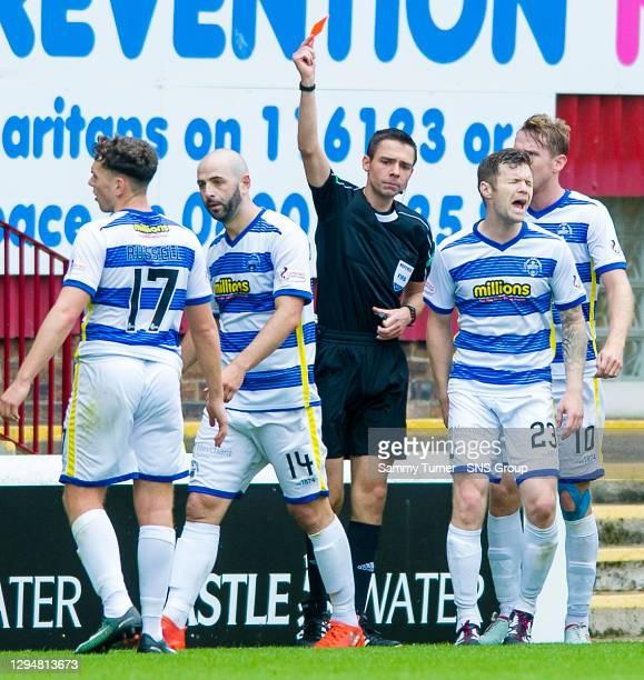 V GREENOCK MORTON.FIR PARK - MOTHERWELL.Morton's Gary Harkins is sent off by Referee Kevin Clancy