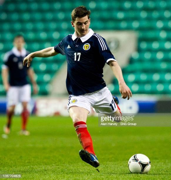 V ITALY U21 .EASTER ROAD - EDINBURGH.Kenny McLean in action for Scotland.