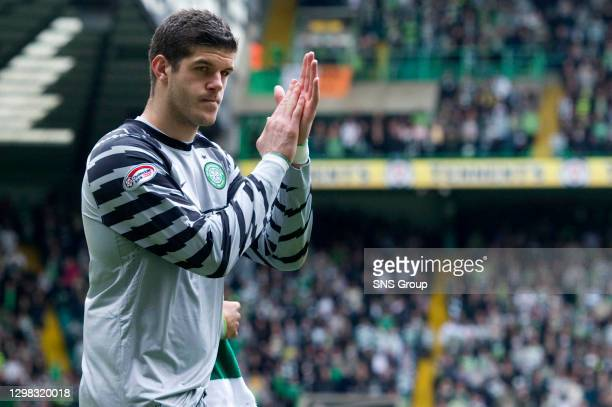 V MOTHERWELL.CELTIC PARK - GLASGOW.Celtic's Fraser Forster applauds the fans at the end of the match after potentially playing his last game for the...