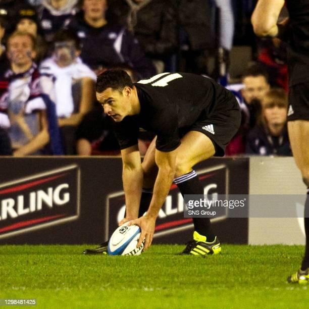 V NEW ZEALAND.MURRAYFIELD - EDINBURGH.All Blacks' Fly Half Dan Carter touches down for a try