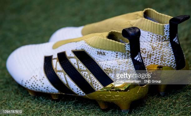 V ST JOHNSTONE.CELTIC PARK - GLASGOW.Adidas football boots
