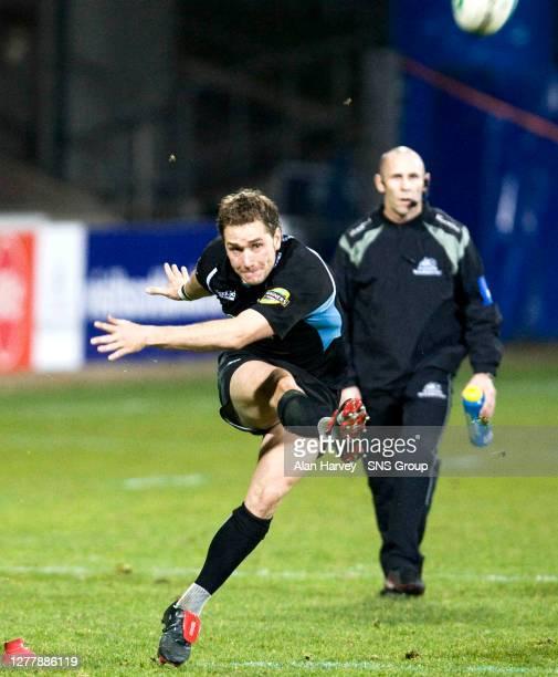 V VIADANA .FIRHILL - GLASGOW.Glasgow Warriors outside half Dan Parks adds to his tally with a penalty kick