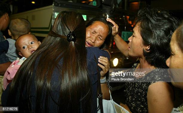 13 Hmong Family Leaves Thai Refugee Camp For Fresno California Photos And Premium High Res Pictures Getty Images
