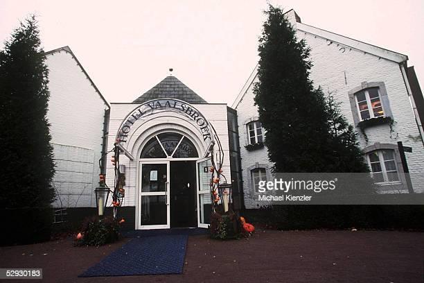 EURO 2000 Vaals/NED DFB Quartier/' Hotel Kasteel VAALSBROCK ' Hoteleingang