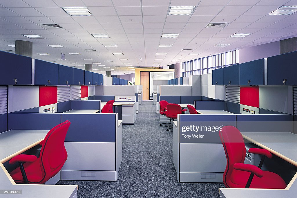 Vacant cubicles in office : Stock Photo