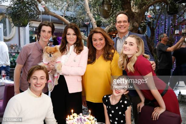 HOUSEWIFE Vacation After AnnaKat's big win with The Wildflower Girls the Ottos head to California for an allexpenses paid family vacation But when...