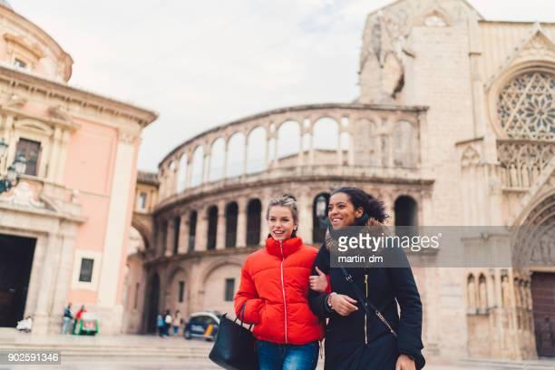 vacances en espagne - culture européenne photos et images de collection