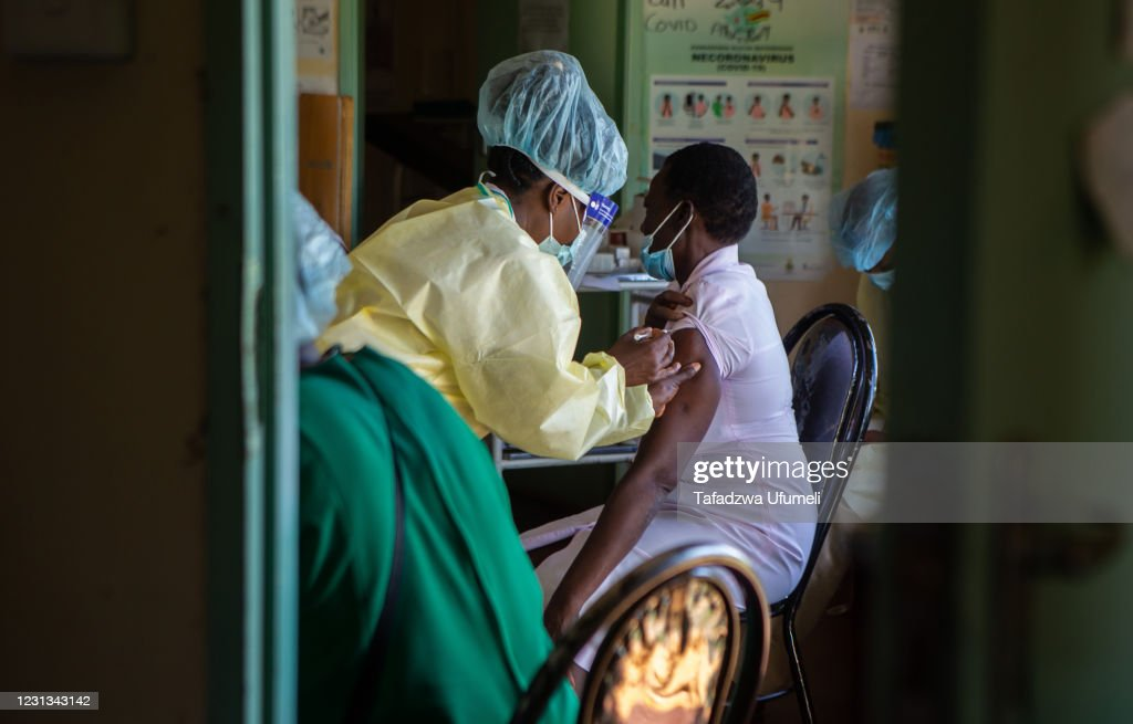 Zimbabwe Expands Vaccination Campaign To More Regions : News Photo