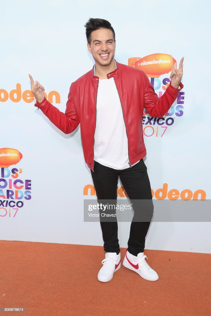 Vadhir Derbez attends the Nickelodeon Kids' Choice Awards Mexico 2017 at Auditorio Nacional on August 19, 2017 in Mexico City, Mexico.