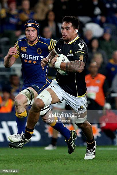 Vaea Fifita of Wellington makes a break during the round two Mitre 10 Cup match between Otago and Wellington at Forsyth Barr Stadium on August 25...