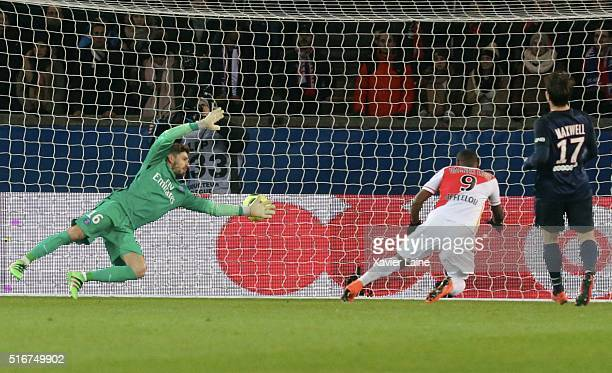 Vagner Love of AS Monaco scores a goal during the French Ligue 1 match between Paris SaintGermain and AS Monaco at Parc des Princes on march 20 2016...