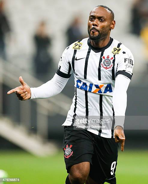 Vagner Love of Corinthians celebrates their second goal during the match between Corinthians and Ponte Preta for the Brazilian Series A 2015 at Arena...