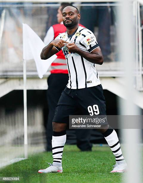 Vagner Love of Corinthians celebrates their thirth goal during the match between Corinthians and Cruzeiro for the Brazilian Series A 2015 at Arena...