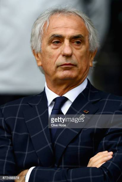 Vahid Halilhodzic Manager of Japan looks on during the international friendly match between Brazil and Japan at Stade PierreMauroy on November 10...