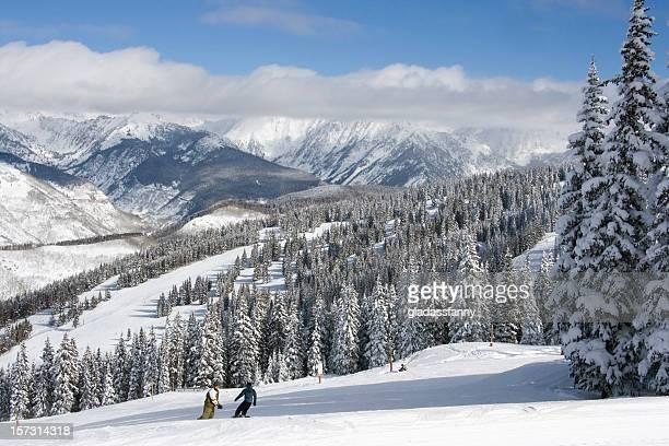 snowboarders vail colorado - vail colorado fotografías e imágenes de stock