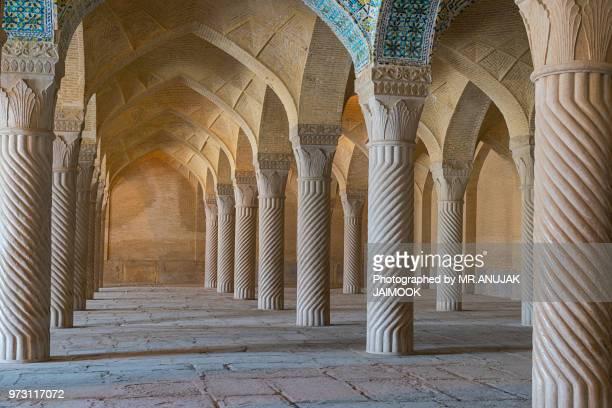 vakil mosque in shiraz, iran - shiraz fotografías e imágenes de stock