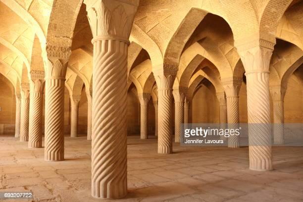 vakil mosque - shiraz fotografías e imágenes de stock