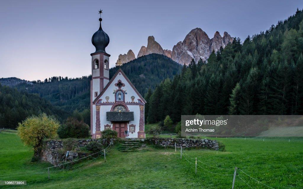 Val di Funes, Dolomite Alps, Italy, Europe : Foto de stock