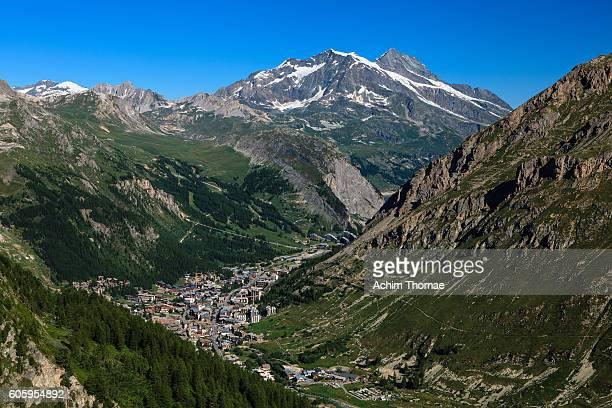 val d'isere valley, savoie département, rhone-alpes region, france, europe - événement sportif d'hiver photos et images de collection