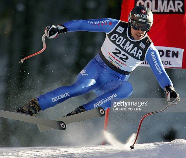 Bruno Kernen of Switzerland during the Alpine skiing World Cup men downhill training session in Val Gardena 15 December 2005 AFP PHOTO / FABRICE...