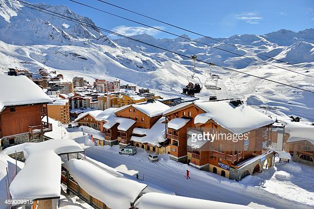 val thorens - trois vallees stock pictures, royalty-free photos & images