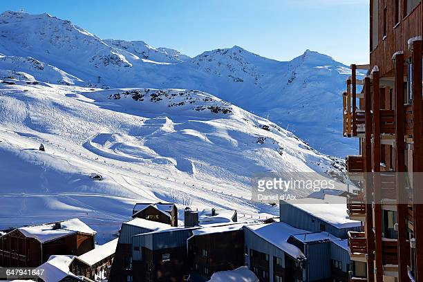 val thorens, ski resort - val thorens stock pictures, royalty-free photos & images
