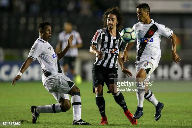 Valdivia of Atletico MG fights for the ball with Yago Pikachu and Wellington of Vasco during a match between Vasco da Gama and Atletico MG as part of...
